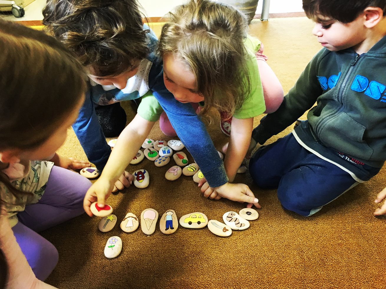 Story stones boost children's imaginations