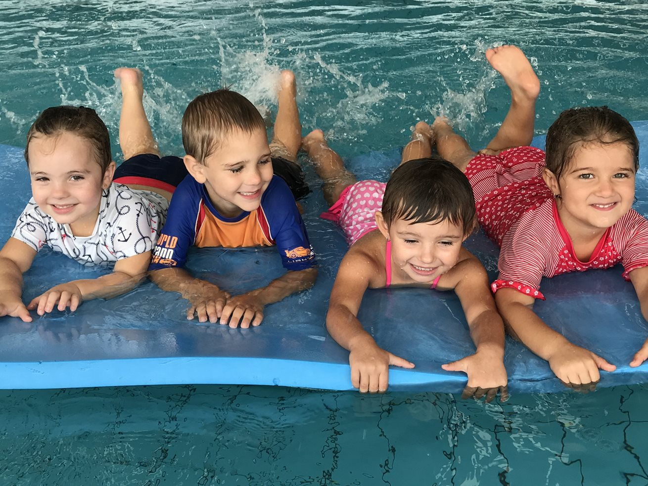 Kindergarten children take the plunge