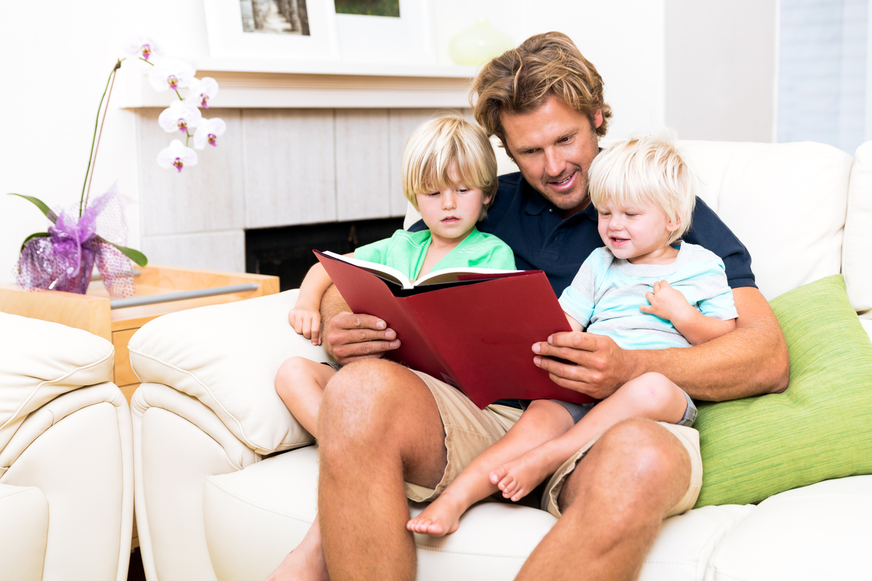 Call for dads to get reading