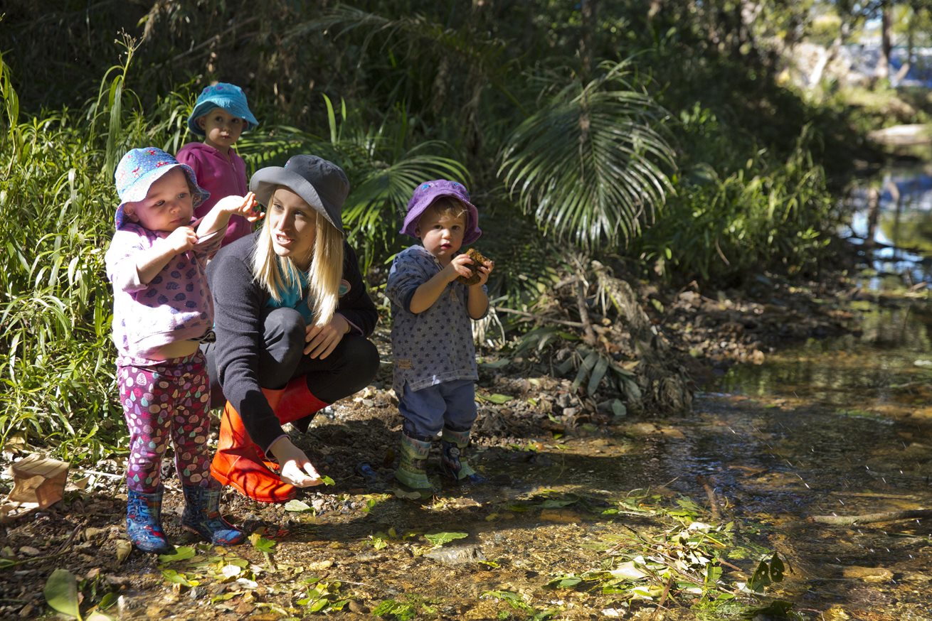 Red Hill children take play to nature