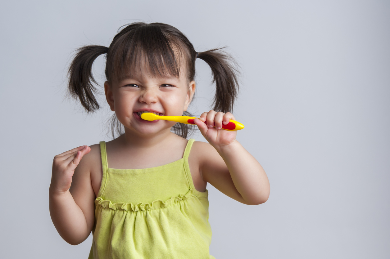 Tips for cleaning your child's teeth