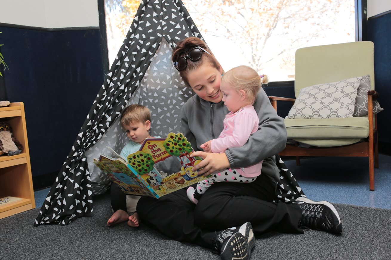 Story time sparks imagination for kindergarten class